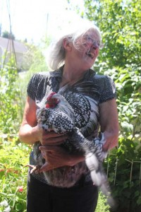 Organizer Linda Zielinski with one of her hens, Daisy. PHOTO COURTESY OF ANACORTES AMERICAN